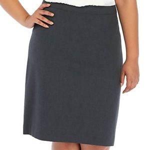 The Limited Back Pleated Pencil Skirt NWT